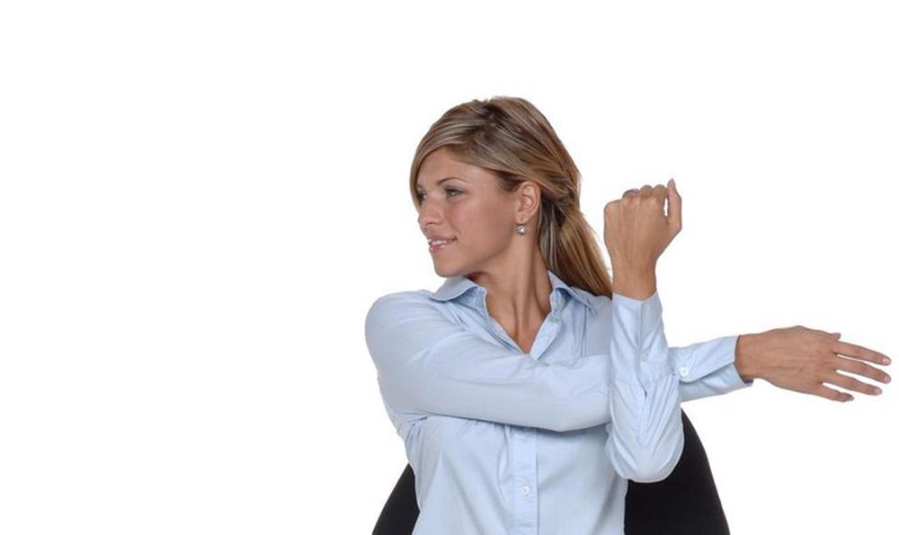 5 ejercicios para hacer en la oficina for Ejercicios en la oficina